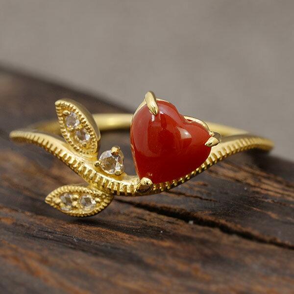 ハート赤珊瑚×ローズカットダイヤリング「リーフライン」 リング K18 珊瑚 ツタ ラッキーモチーフツタが赤珊瑚を大切に守るように絡みつき、優しく包むアミュレットなデザイン