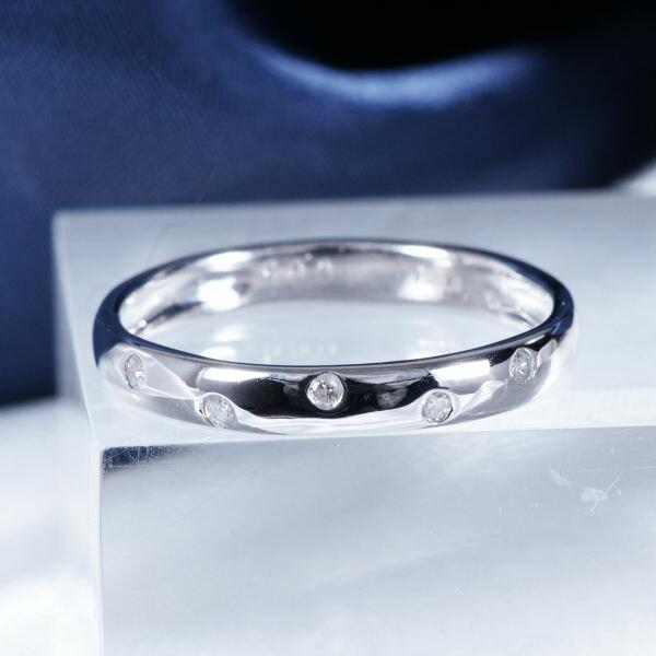ギフトおすすめプラチナ ダイヤモンドデザインリング (ファイブスター) ダイヤモンドを使ったかわいいドットデザインリング