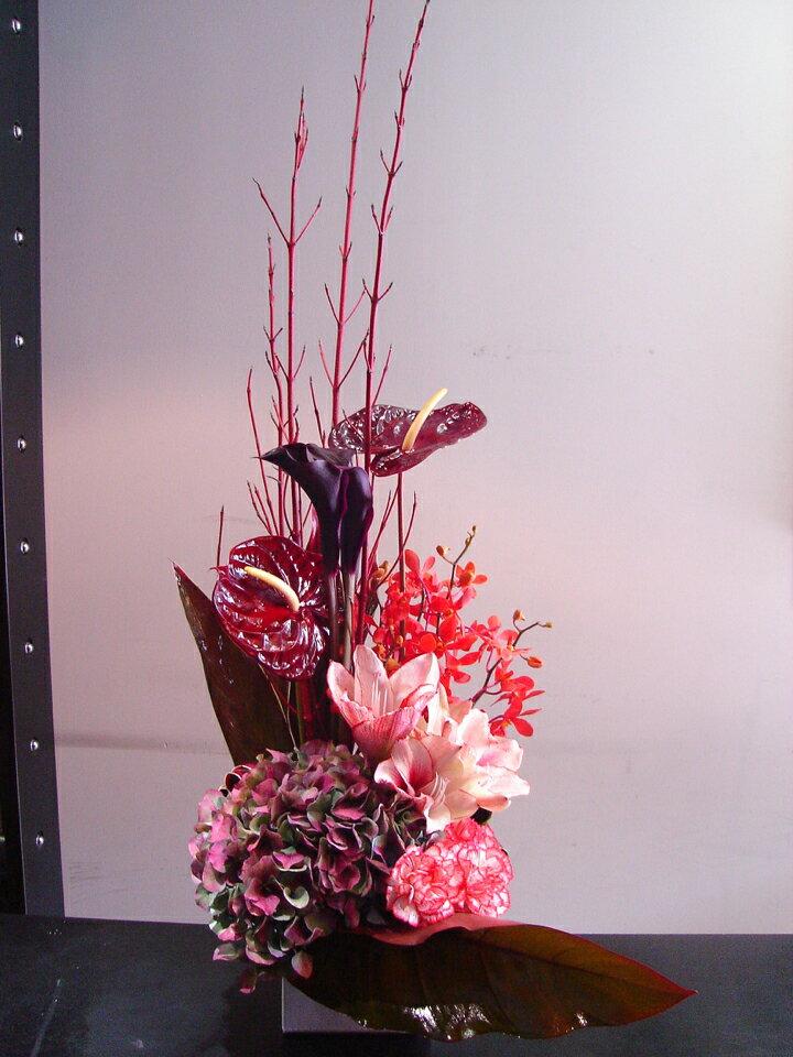 シック アレンジメント RED アマリリスの商品画像