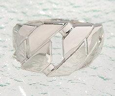 SV925 トラパゾイドジオメトリカルパターン リング指輪 シルバー925 SILVER スターリングシルバー 刻印 文字入れ メッセージ ギフト 贈り物 ピンキーリング対応可能