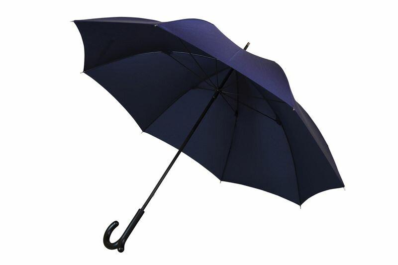 ランブレラ 長傘 手開き ダークネイビー 日本製 グラスファイバー骨 フジテレビ【クイズやさしいね】紹介 手元になめらかな突起があることで、カバンがかけられる新発想の傘。