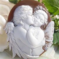 Ciro Accanito作 シェルカメオルース【天使のKISS】 天使と妖精がハグしている愛のカメオ