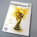 現地ドイツのW杯開催スタジアムのみで限定販売される貴重な物。オールカラー175ページで構成さ...