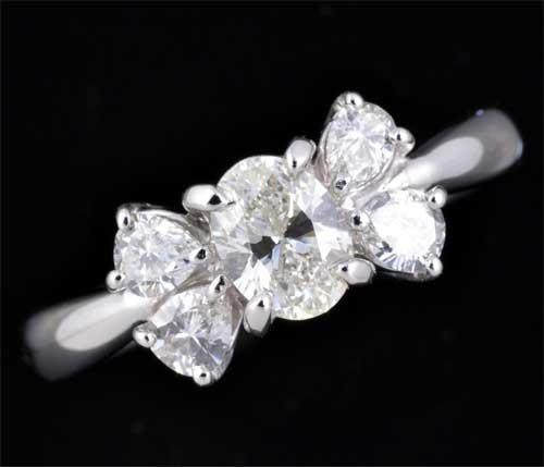 Pt オーバルカットダイヤモンド 0.543ct J-SI1脇石ペアシェイプダイヤ0.40ct プラチナ リング《送料無料!》