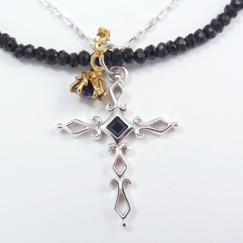 シルバー925 メンズネックレス 艶黒のブラックスピネルを使用したネックレスとシルバーチェーンの2連タイプ。デザインクロスとアラベスクベビーリングのダブルTopの3wayネックレス。( 3way Cross & Babyring Black Necklace ) メンズネックレス(Silver925) -艶黒のブラックスピネルを使用したネックレスとシルバーチェーンの2連タイプの3wayネックレス。ユニークな形状