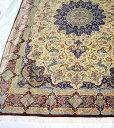 【送料無料】ペルシャ絨毯 サイズ:305×200 産地:クム 作者:アーマディ 材質:シルク