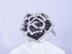 0.75CTブラックダイヤ&0.25CTホワイトダイヤ ローズリング10P18Jun16【_包装】 運営10年の実績、オールジュエリー。8000点の品揃え!