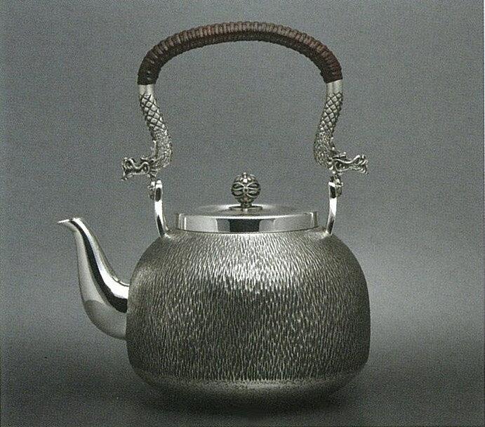 【日本製・証明書付き】純銀 湯沸 5.0寸 ゴザ目 R型 取っ手龍 obg-n137