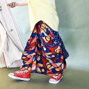 レトロ可愛いを生み出してくれる。変形ロングスカート・『この柄だから、レトロなお洒落が叶うんです。 』