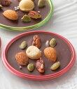チョコレートにナッツをデコレーションしました。バレンタインのギフトにおすすめです。チョコプレート[4個入]