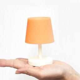 おもしろ雑貨 Glow in the lamp(グロー イン ザ ランプ) 光を蓄えて暗闇で発光する畜光のランプ CEMENT セメントプロデュースデザイン おもしろ雑貨 エコランプ デザイン 日本製 雑貨 面白 お洒落 おしゃれ ランプ 蓄光 おもしろ雑貨