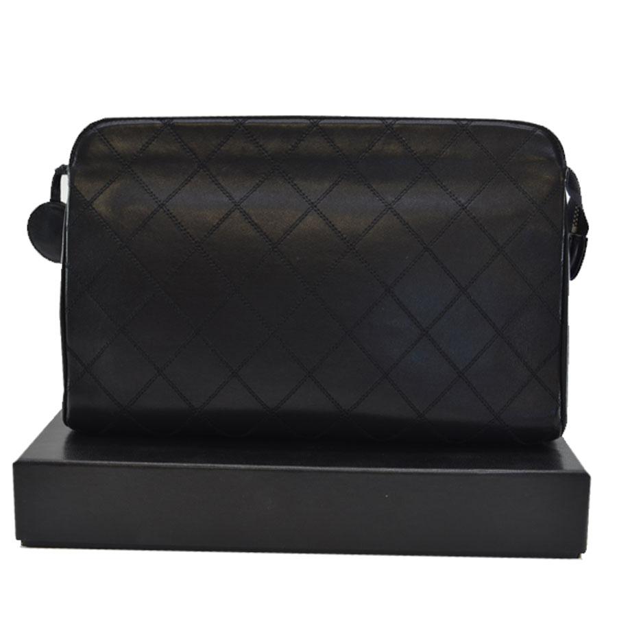 シャネル CHANEL セカンドバッグ ◆ブラックxゴールドカラー レザーx金属素材◆定番人気【中古】クラッチバッグ ◆レディース - k7431