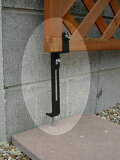コンクリートフェンス下部用金具ラティス設置に、頼れるサポートツール