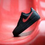 NIKE AIR FORCE 1 '07 (ナイキ エア フォース 1 07)BLACK/UNIVERSITY RED17HO...