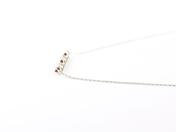【送料無料】ダイヤモンド シルバー ガーネット ネックレス 1月誕生石 ダイヤ ラインネックレス ペンダント レディース sv925 チェーン 人気 デコルテに華やかに輝く ラインネックレス