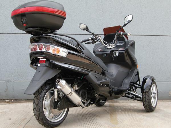 リバーストライク ファルコン150ccの紹介画像3