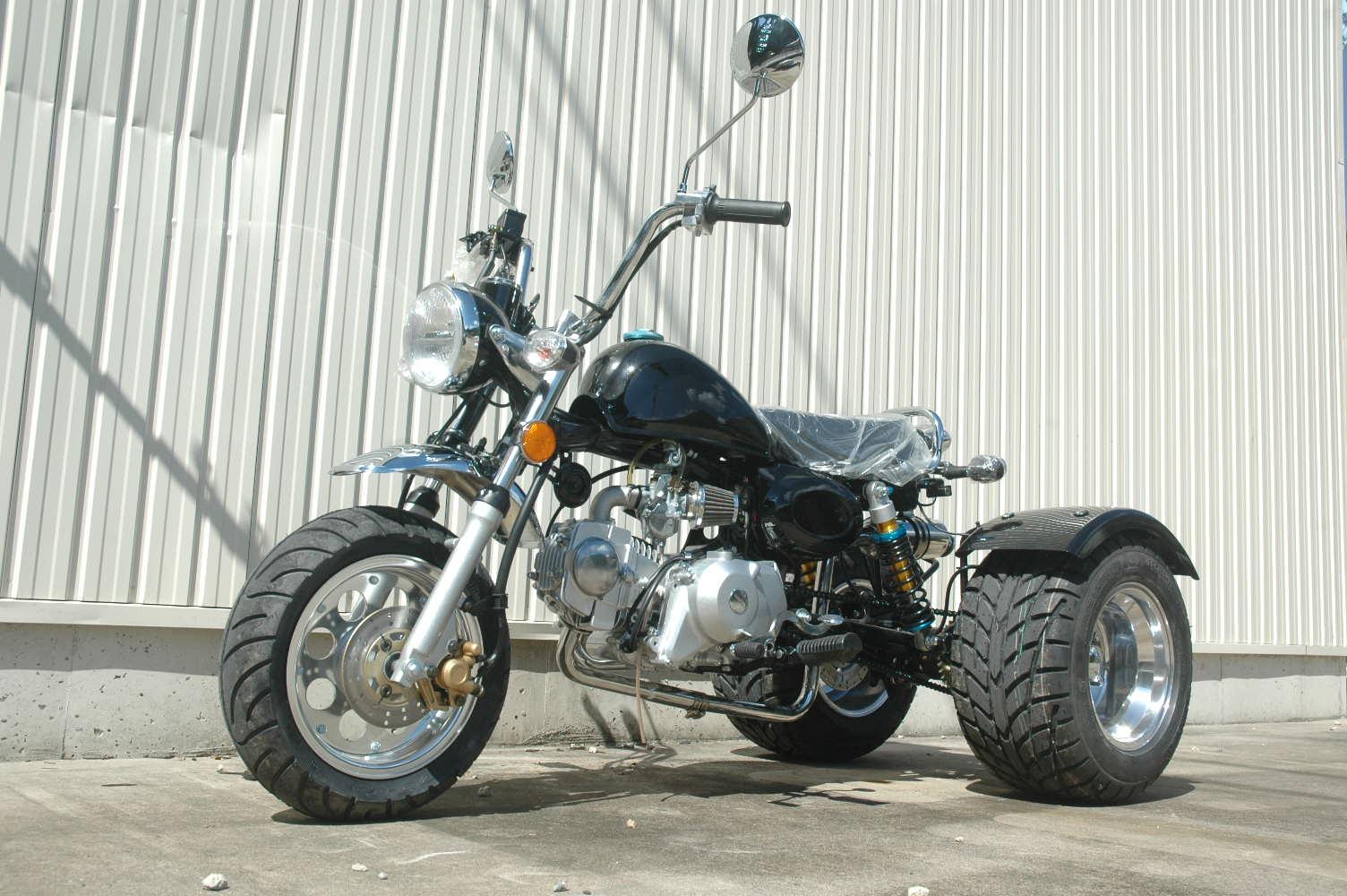 モンキートライクデフ付 125cc 前進4段 2人乗り可能 新車