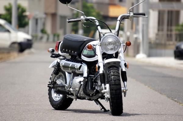 モンキー風ローダウンカスタムバイク 50ccの紹介画像3