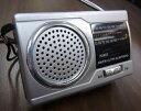 スピーカー内蔵 AM/FM コンパクトラジオ【検索用 ラジオ コンパクト スピーカー AM FM 電池】