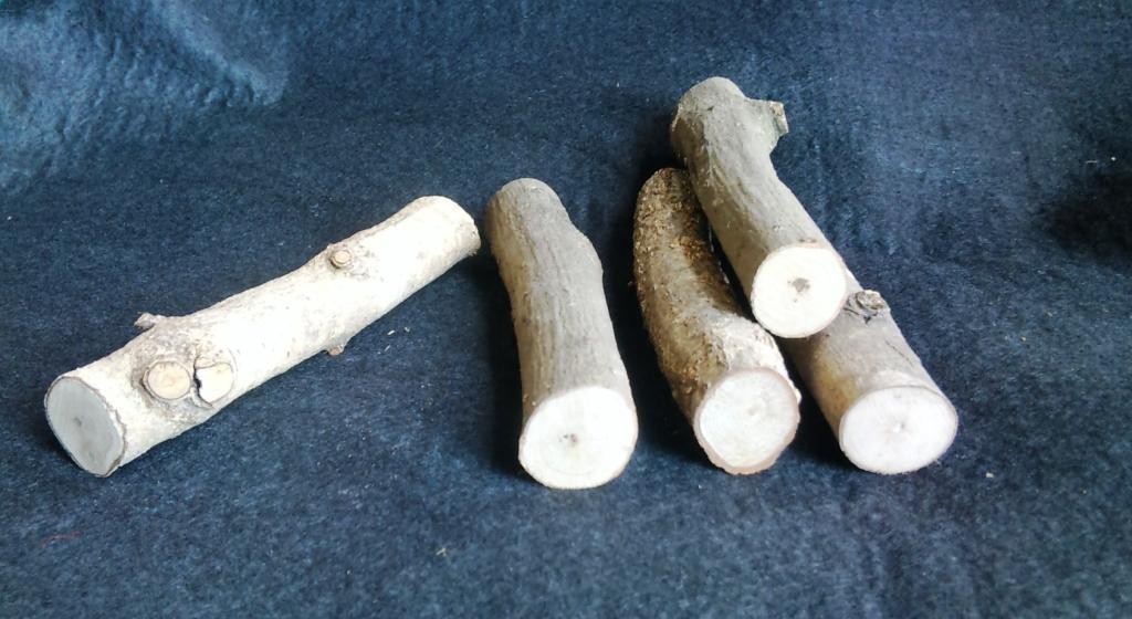 止まり木(転倒防止材) ミニサイズ 直径20ミリ以下(長さ約120ミリ)