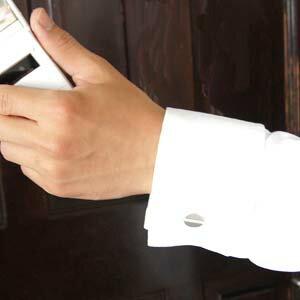 【男性用/送料無料】ホワイトゴールドダイヤカフスボタン結婚指輪・マリッジリング・記念日・ギフト 【マラソン2011冬_ファッション】 価値ある男の 価値ある逸品