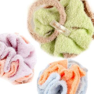 頭和蓬鬆的瑪麗亞百合花卉花他們朱穆之女士、 發飾和蓬鬆瑪麗亞發飾、 蓬鬆智子這可愛禮服和蓬鬆相反,觸摸彩色食品棉花糖棉花糖和蓬鬆莫科和蓬鬆智子 (LC1110-2145)