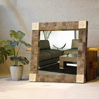... modern Asian décor and wall hanging mirrors and Asian-Balinese-taste