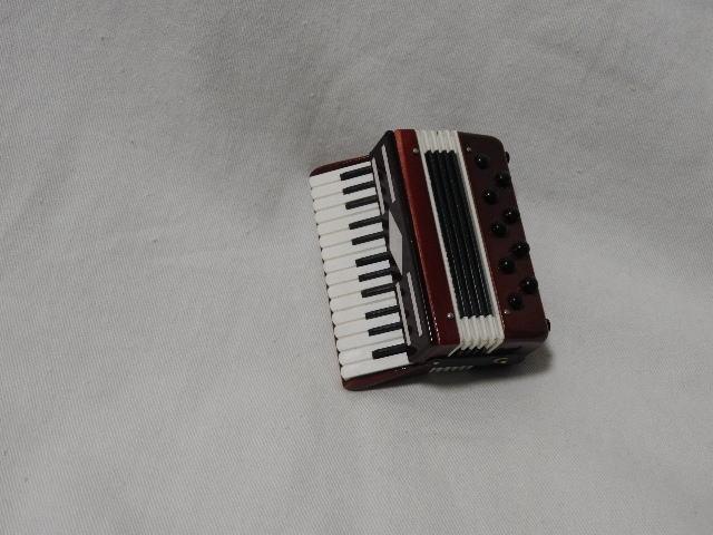 ミニチュア楽器アコーディオン7cm