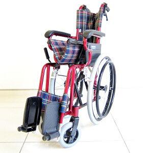 圧倒的な女性支持を集めています!【ラズベリー】【自走式】【車椅子】【SGマーク認定工場製品】【アルミ製】【ノーパンクタイヤ】【コンパクト】【折りたたみ式】【超軽量】介助用としても!
