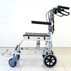 【ネクスト】旅行やレジャー、室内の移動やお買い物にも!【専用バッグ付き】【簡易式】【軽量】【コンパクト】【介護・介助用】【車椅子】【車いす】【介助ブレーキ付き】【アルミ】【ノーパンクタイヤ】【折りたたみ式】【跳ね上げ式】A501-AK