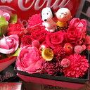 クリスマスプレゼント スヌーピー入り 花 プレゼント 箱を開けてサプライズ スヌーピーマスコット2個入り ボックス 赤バラ プリザーブドフラワー入り◆スヌーピーマスコット種類はお任せとなります
