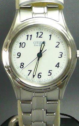 シチズン スタンダード腕時計フォルマ エコドライブ ソーラー レディースウオッチ FRB36-2451 名入れ刻印対応《有料》 取り寄せ品 【コンビニ受取対応商品】 母の日・誕生日の名入れ記念品ギフトにソーラー腕時計を