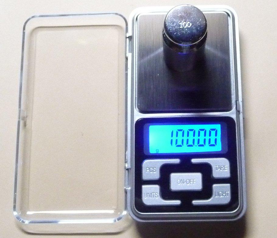 小型デジタル精密はかりデジタルスケール単位0.01gで100gまで計量数も数える精密光るは…...:auc-ten-kou:10000040