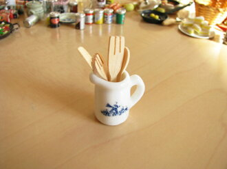 Kitchen tool set [reentry load] with miniature miscellaneous goods pot