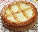 数々の雑誌やテレビで紹介され、全国に数多くのファンがいます。トロイカ ベークドチーズケーキ 6号(8人分)