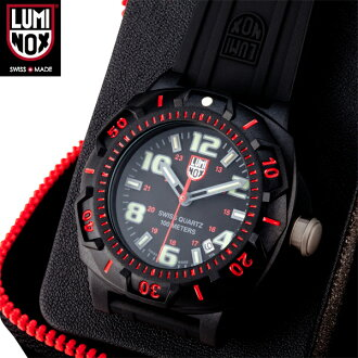 More casual feel can feel closer to the LUMINOX Luminox 0215 NIGHT VIEW SERIES CENTRY Luminox night view series model working in every scene