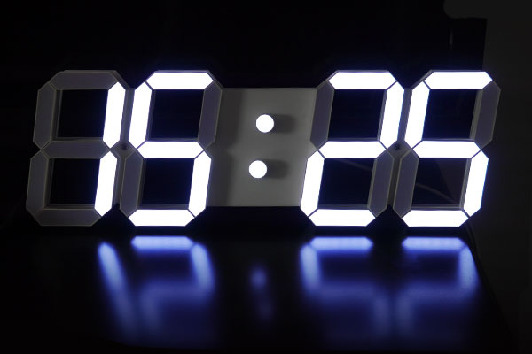LEDデジタル時計 インダストリアル 男前インテリア ホワイト/ホワイト発光