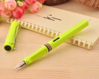 ★ Lamy LAMY Safari SAFARI by 2015, limited color pen neon lime EF/F/M size L43-EF/L43-F/L43-M