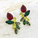 【メール便送料無料】赤い花と緑や黄色の葉のような彩りのスワロフスキーのビジューピアスゴールド純チタンピアス(ピン型)
