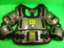 送料無料 ウィルソン Wilson 硬式用 審判用インサイドプロテクター Fitted Umpire Chest Protector WTA3217 CHA13 WILSON 輸入品 軟式M..