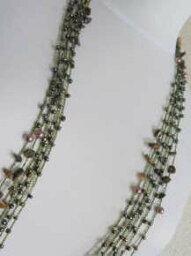 丸小ビーズとさざれの編み上げロングネックレス−1110家宝というジュエリーネックレスもいいですが仕事やお買い物などの日常使いのネックレスもビーズワークの本当のおしゃれって幸せを感じます