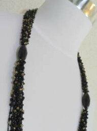 丸小ビーズの編み上げネックレス−1117家宝というジュエリーネックレスもいいですが仕事やお買い物などの日常使いのネックレスもビーズワークの本当のおしゃれって幸せを感じます