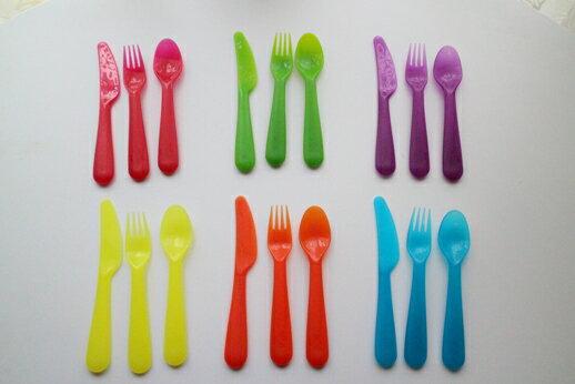 【メール便送料無料】IKEA イケア KALAS カラフル食器 カラトリー 18点セット(フォーク6点・スプーン6点・ナイフ6点)/子供用 プラスチック食器、ホームパーティー・アウトドア,にも! お花見,バーベキュー