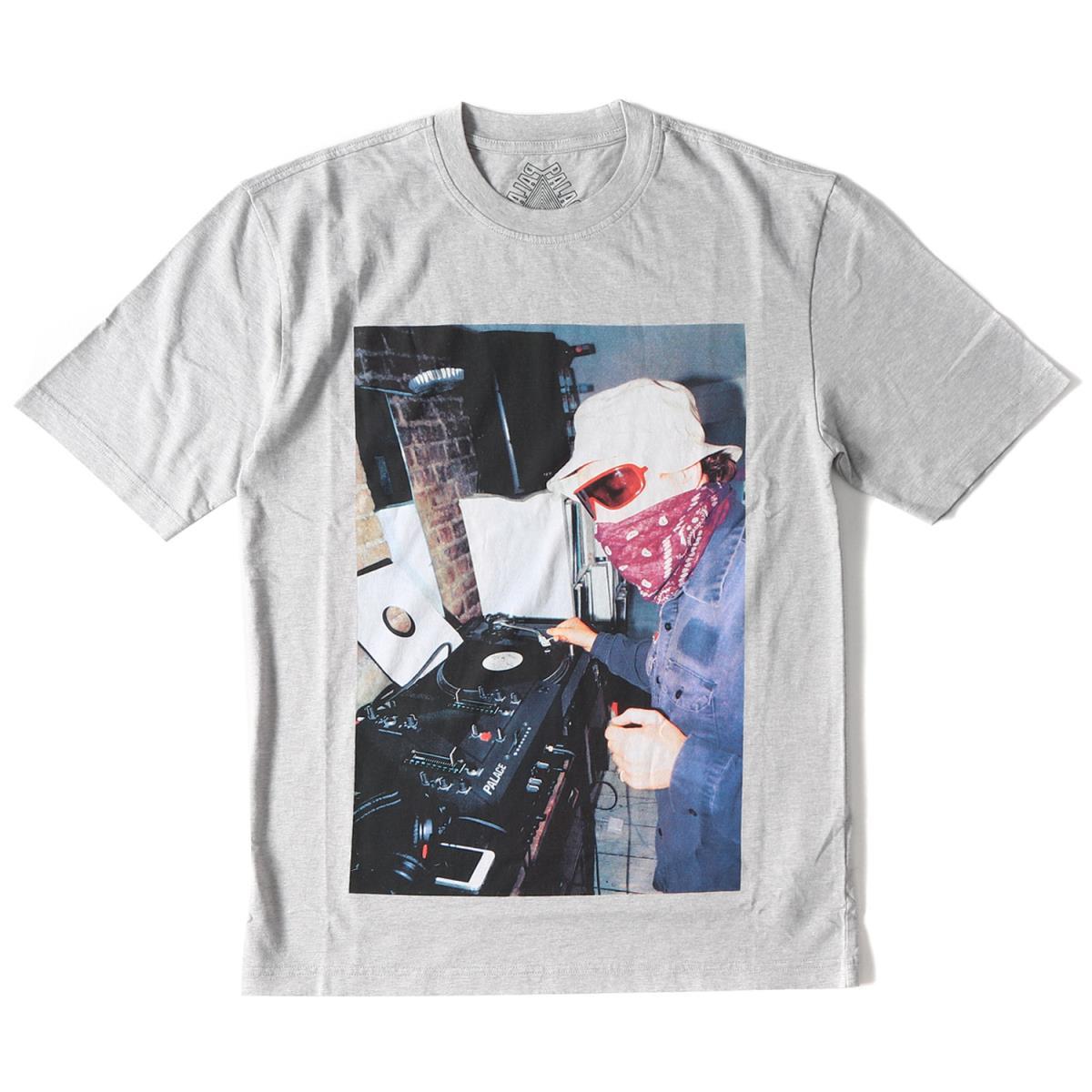 b37aebdcf4b5 ... Tシャツ   カットソー   パーカー   キャップ ハット   アクセサリー   PALACE (パレス) 18A   /W  DJフォトプリントクルーネックTシャツ(MIXER T-SHIRT) グレー S ...
