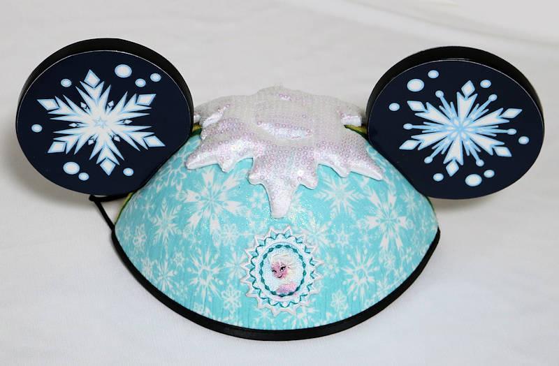 【1-2日以内に発送】ディズニー Disney US公式商品 アナ雪 アナと雪の女王 エルサ アナ 両面 イヤーハット 耳キャップ 耳ハット ミッキー 耳 帽子 ハット キャップ 【大人子供兼用】 [並行輸入品] Disney Parks Frozen Movie Princess Anna and Elsa Deluxe Mickey