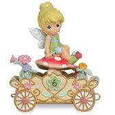 【取寄せ】【送料無料】 ディズニー(Disney)US公式商品 ティンカーベル フェアリーズ プレシャスモーメント 置物 フィギュア 人形 プレシャス・モーメンツ [並行輸入品] Tinker Bell ''Have a Fairy Happy Birthday'' Sixth Birthday Figurine by Preciou