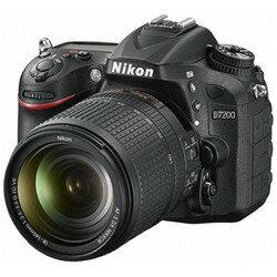 【送料無料】 ニコン D7200【18-140 VR レンズキット】/デジタル一眼レフカメラ[D7200LK18140]