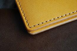 皮革専用糸でしっかりと縫い上げた綺麗なステッチ