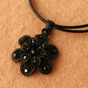 ◆ Bonaventure (ボナバンチュール) translated into レディースフラワー ( flower ) shape necklace pendant popularity is! Yen reduction trial % review post 2013 gifts