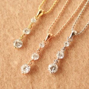 ◆ Bonaventure (ボナバンチュール) with レディースキュービックジルコニア (CZ) スリーストーンネックレス pendant popularity the translated and! Yen reduction trial % review post 2013 gifts